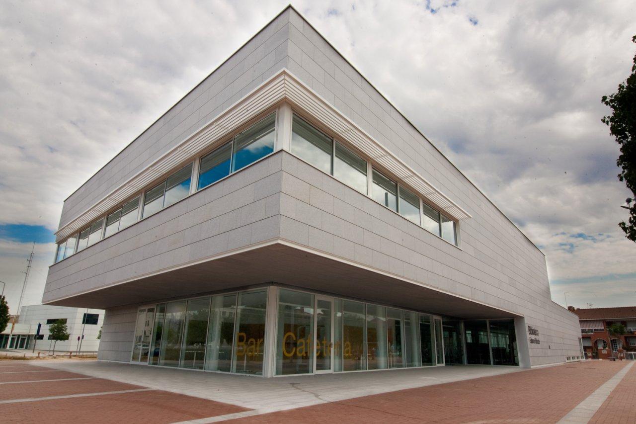 Biblioteca esteve paluzie ayuntamiento de barber del vall s - Muebles barbera del valles ...